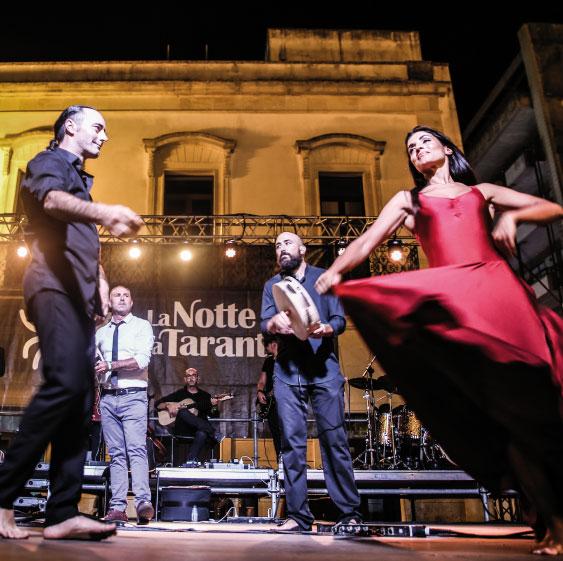 """Orchestra popolare e Ensemble """"La Notte della Taranta"""""""