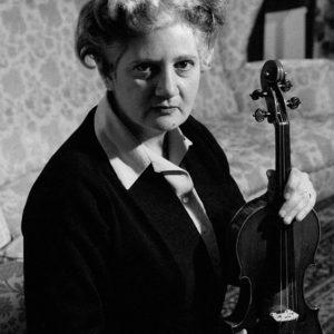 """""""Gioconda De Vito: la dea del violino"""".  Presentazione del volume dedicato alla grande musicista martinese"""