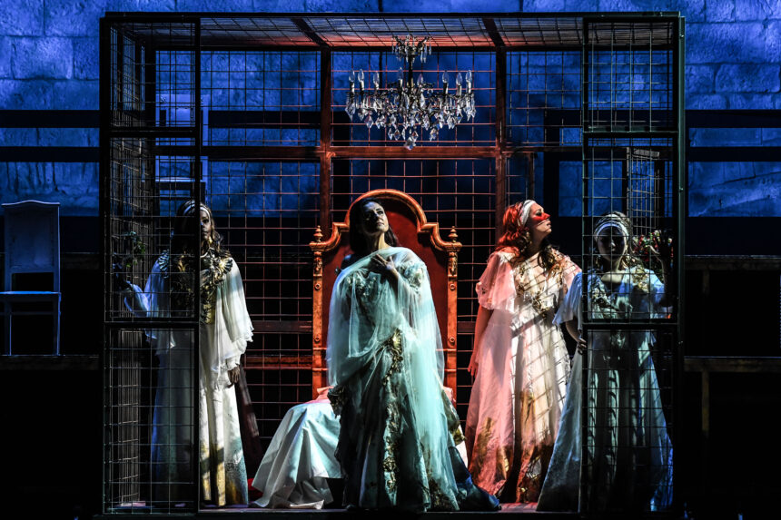 Debut of Strauss' Ariadne auf Naxos at the Festival della Valle d'Itria  World-class cast conducted by Fabio Luisi